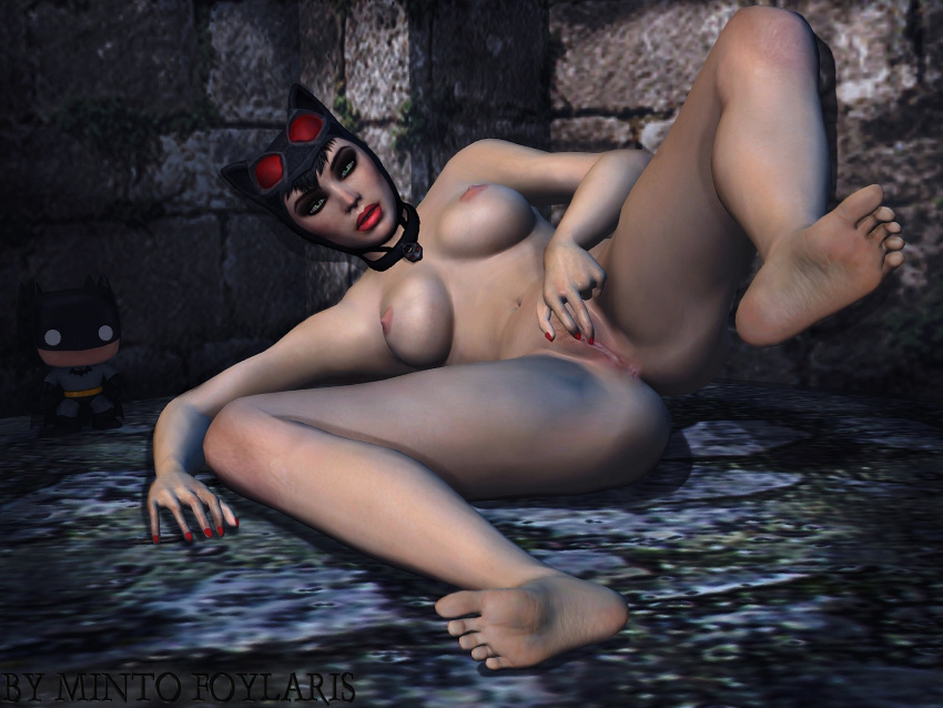 nude arkham batman city catwoman Mom and sister are queen size sluts